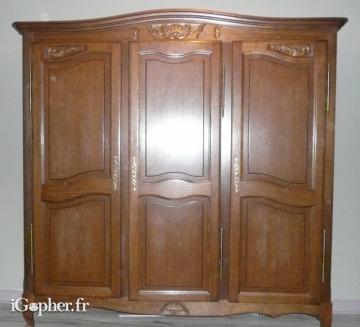 Armoire 3 portes ch ne massif rustique style r gence for Armoire monsieur meuble