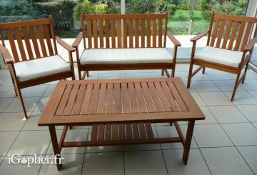 Salon de jardin (table, canapé et 2 fauteuils)