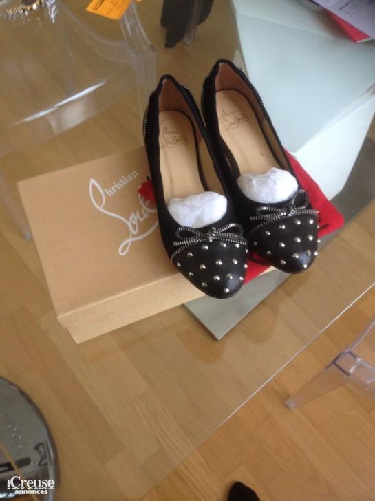 d65cf0b6bca annonce dans Vêtements   Chaussures annonce dans Vêtements   Chaussures
