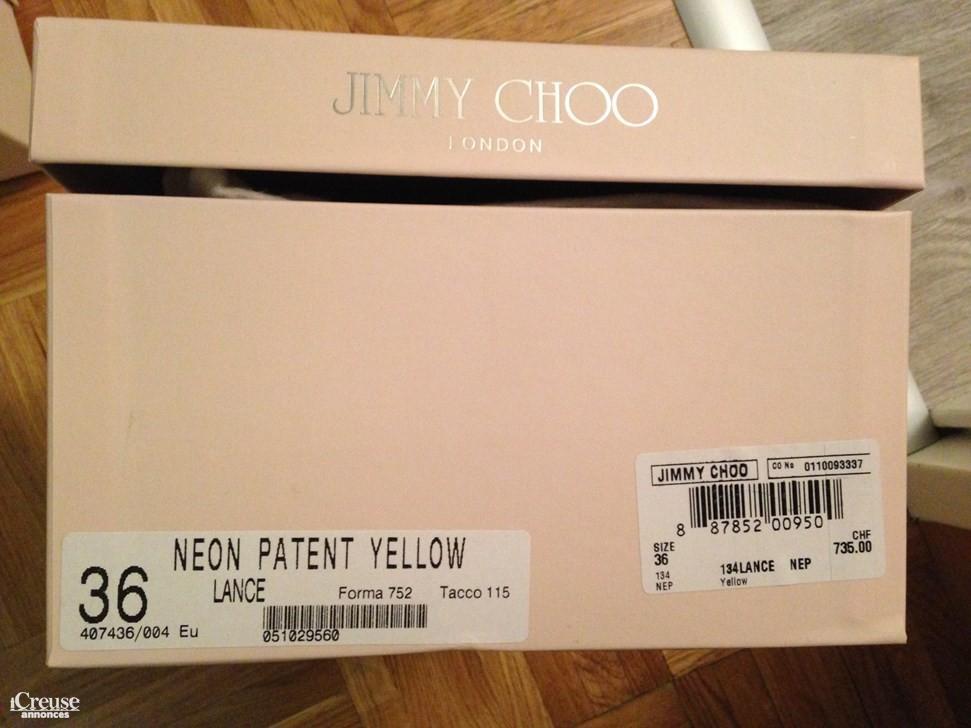 dc6dc074a32 Sandales Jimmy Choo neuves jaune fluo taille 36. annonce dans Vêtements    Chaussures ...
