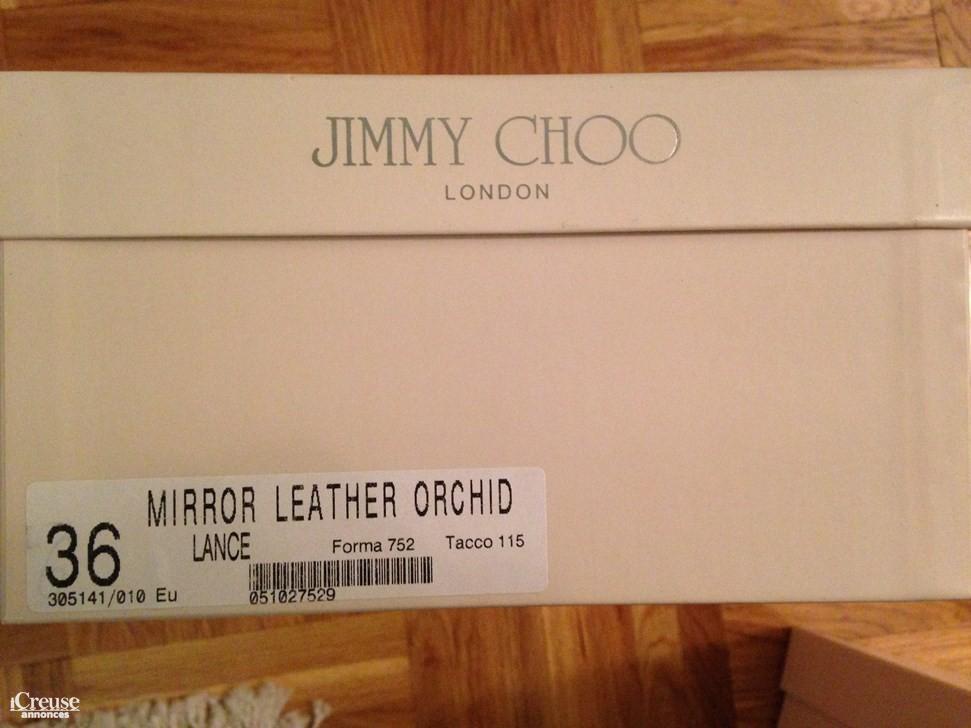 a5c6758a2e5 Sandales Jimmy Choo neuves. annonce dans Vêtements   Chaussures annonce  dans Vêtements   Chaussures annonce dans Vêtements   Chaussures