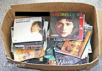Lot de 166 disques vinyles 45 tours