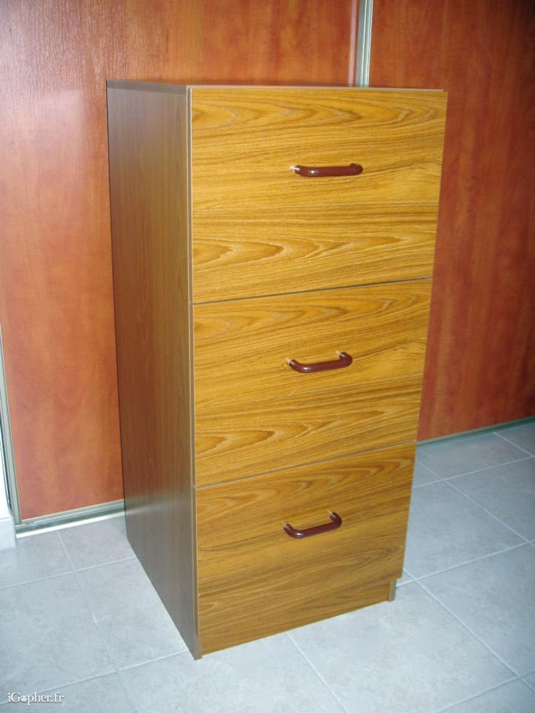 Classeur en bois 3 tiroirs pour dossiers suspendus for Meuble classeur tiroir