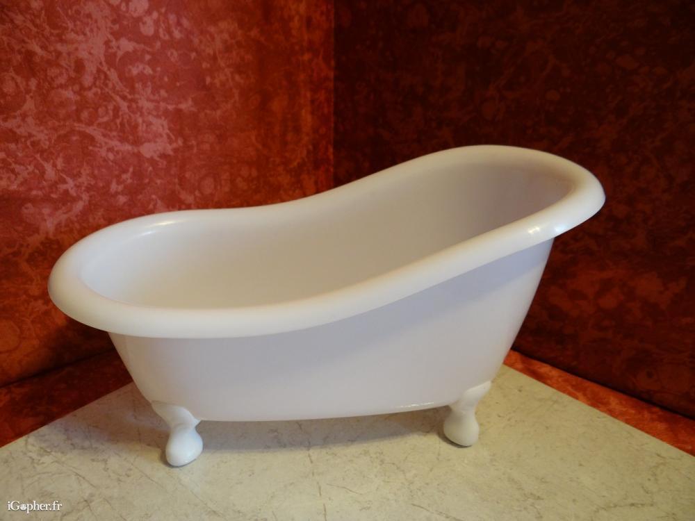 baignoire de poup e mannequin. Black Bedroom Furniture Sets. Home Design Ideas