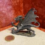 Figurine dragon collection Atlas le dragon rouge n°5