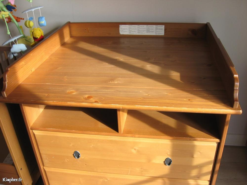 Ikea table a langer cheap hemnes baby changing dresser for Table a langer adaptable sur commode